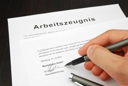 Prüfung und Erstellung von Arbeitszeugnissen